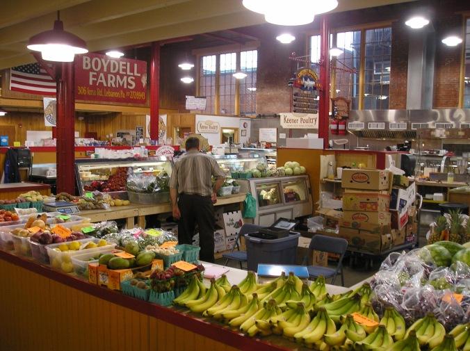 Farmer's market in Lebanon has fresh fruit and vegetable stand
